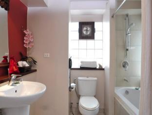 The Siam Heritage Boutique Suite Bangkok - Superior Room - Bathroom