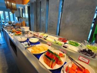 Ramada Phuket Southsea फुकेत - खाद्य और पेय पदार्थ