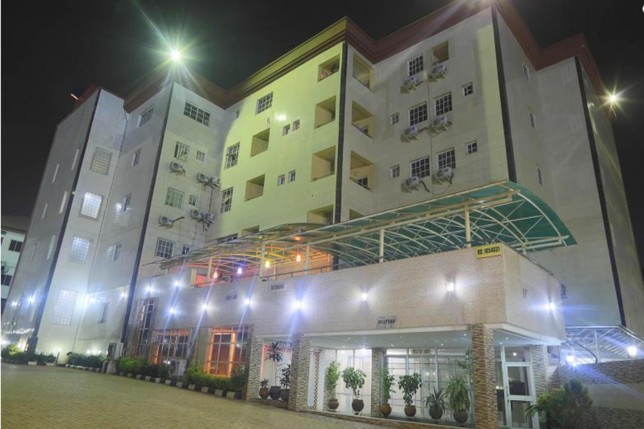 Lapour Hotels