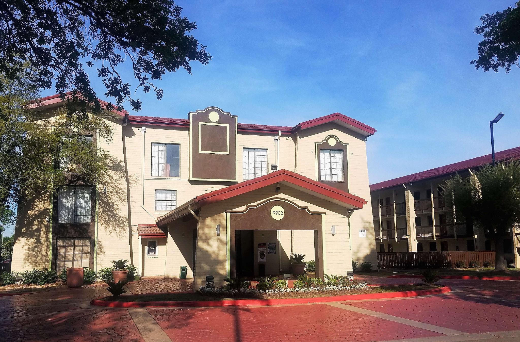 Red Roof Inn And Suites Houston   Hobby Airport