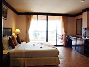 Karon Sea Sands Resort Phuket - Junior Suite with Sea View