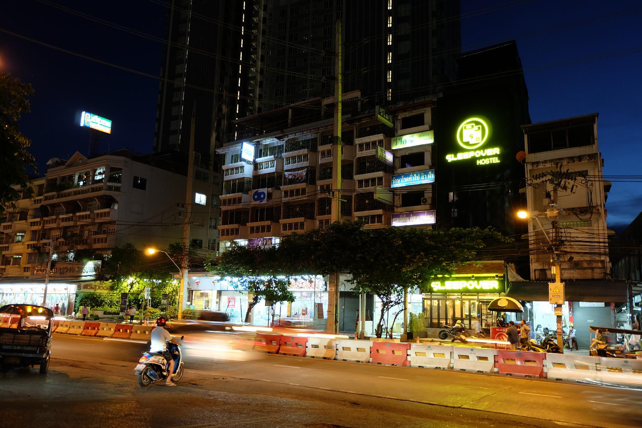 Review Sleepover Hostel Bangkok