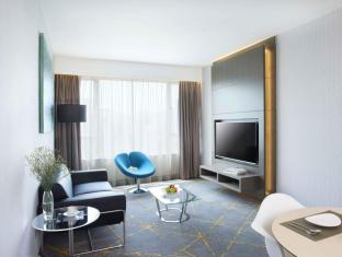 The Cityview Hotel Hong Kong - Newly Renovated Premier Suite