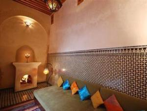 Dar Benares Hotel