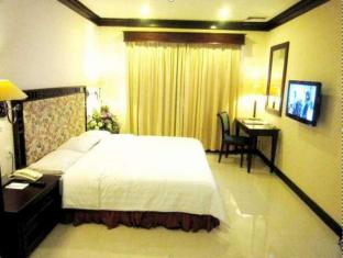 Equator Hotel Surabaja - Camera