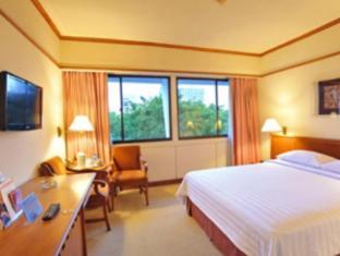 Elmi Hotel Surabaya - Konuk Odası
