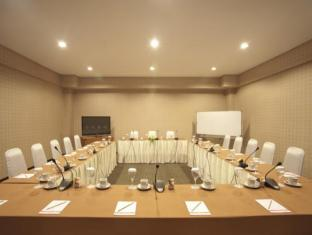 Elmi Hotel Surabaya - Meeting Room