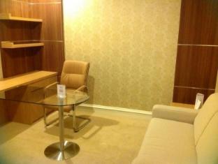 Surabaya Suites Hotel Surabaja - Svečių kambarys