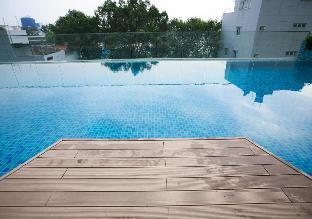 Lee's EverRich Resort Room 2 - swimming pool