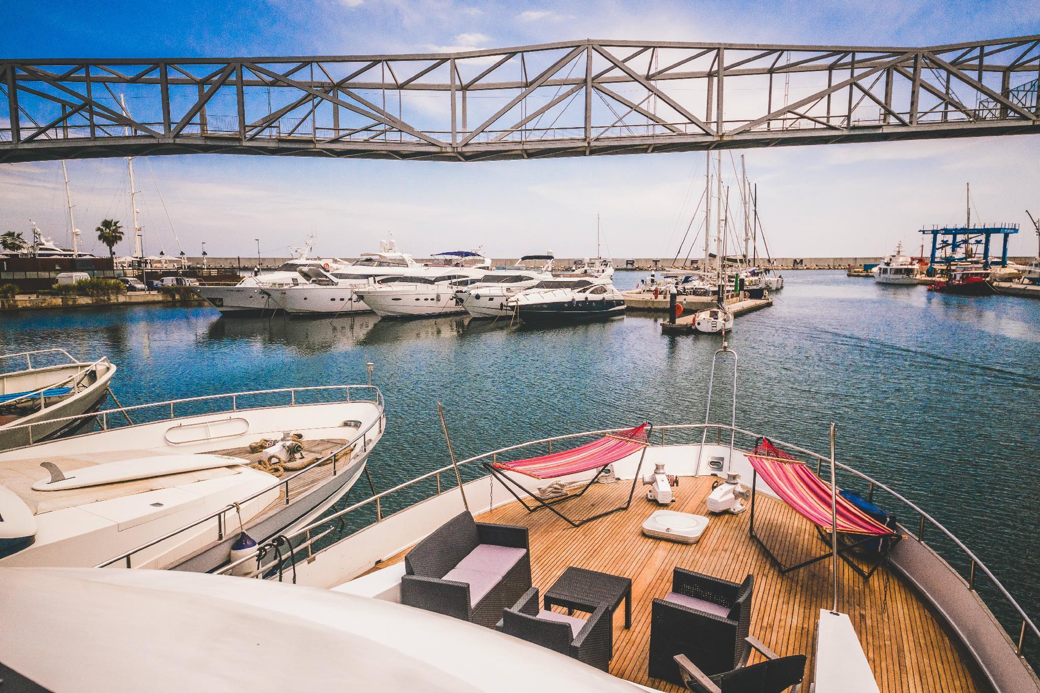 Motor Yacht Boatel for 6 people