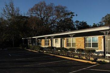 The Suwannee Gables Motel And Marina