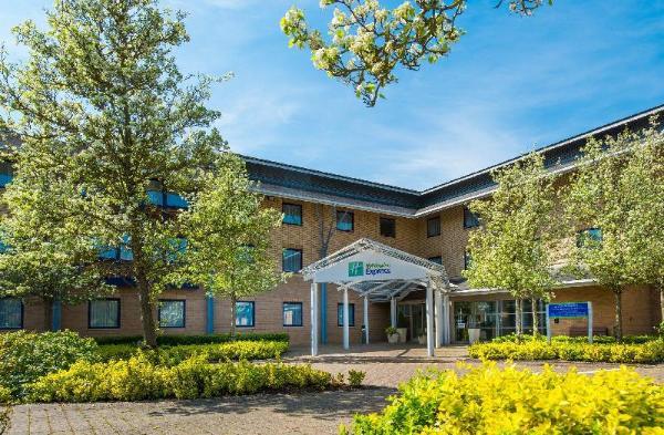 Holiday Inn Express Milton Keynes Milton Keynes