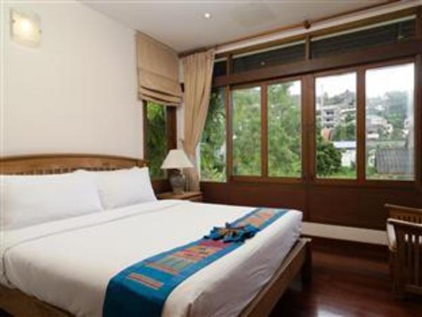 Surin Spring Apartment 8 Phuket