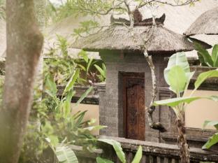 Kamandalu Ubud Resort Bali - Villa Entrance