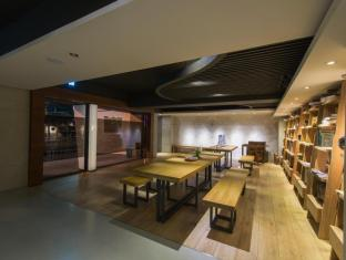 Simple+ Hotel Taipeh - Empfangshalle