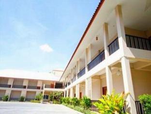 Lub D Resort