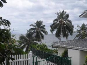 Anse Norwa Guest House