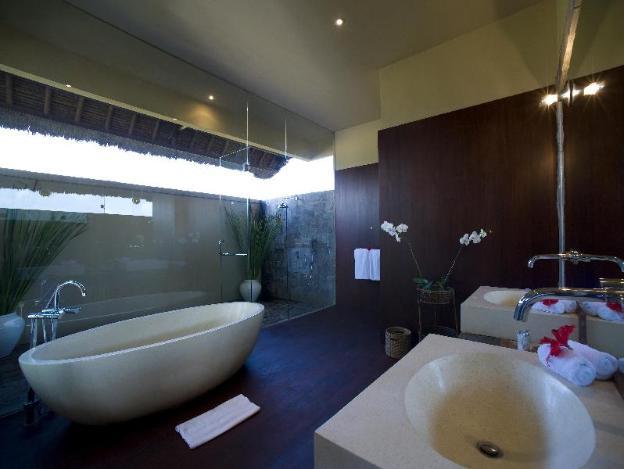 Villa Mary 5BR w/ Infinity Pool & Home Cinema