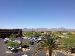 Candlewood Suites Tucson Hotel