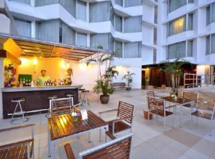 Duangtawan Hotel Chiang Mai - Pool Bar