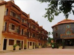 ขแมร์ คาเมลอต รีสอร์ท (Khmer Camelot Resort)