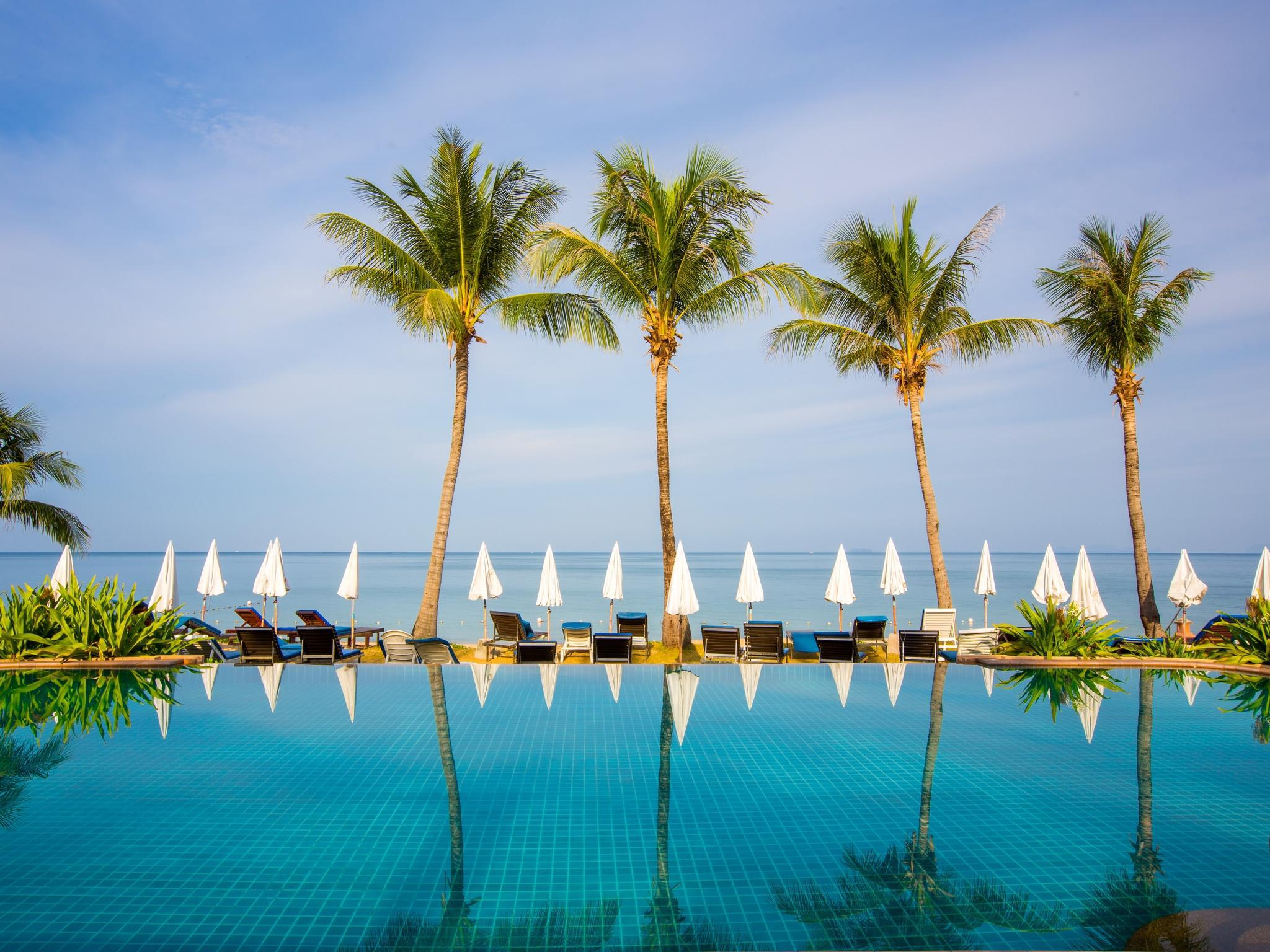 Lanta Casuarina Beach Resort ลันตา แคชชัวริน่า บีช รีสอร์ท