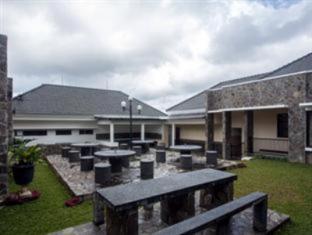 Kay's Fish Farm and Villa