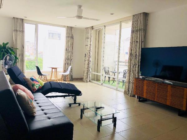 Cozy & Luxurious Getaway| Balcony View |District 1 Ho Chi Minh City