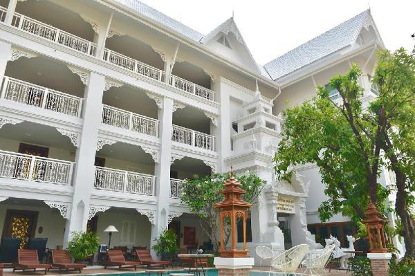White Boutique Hotel and Spa Chiang Mai
