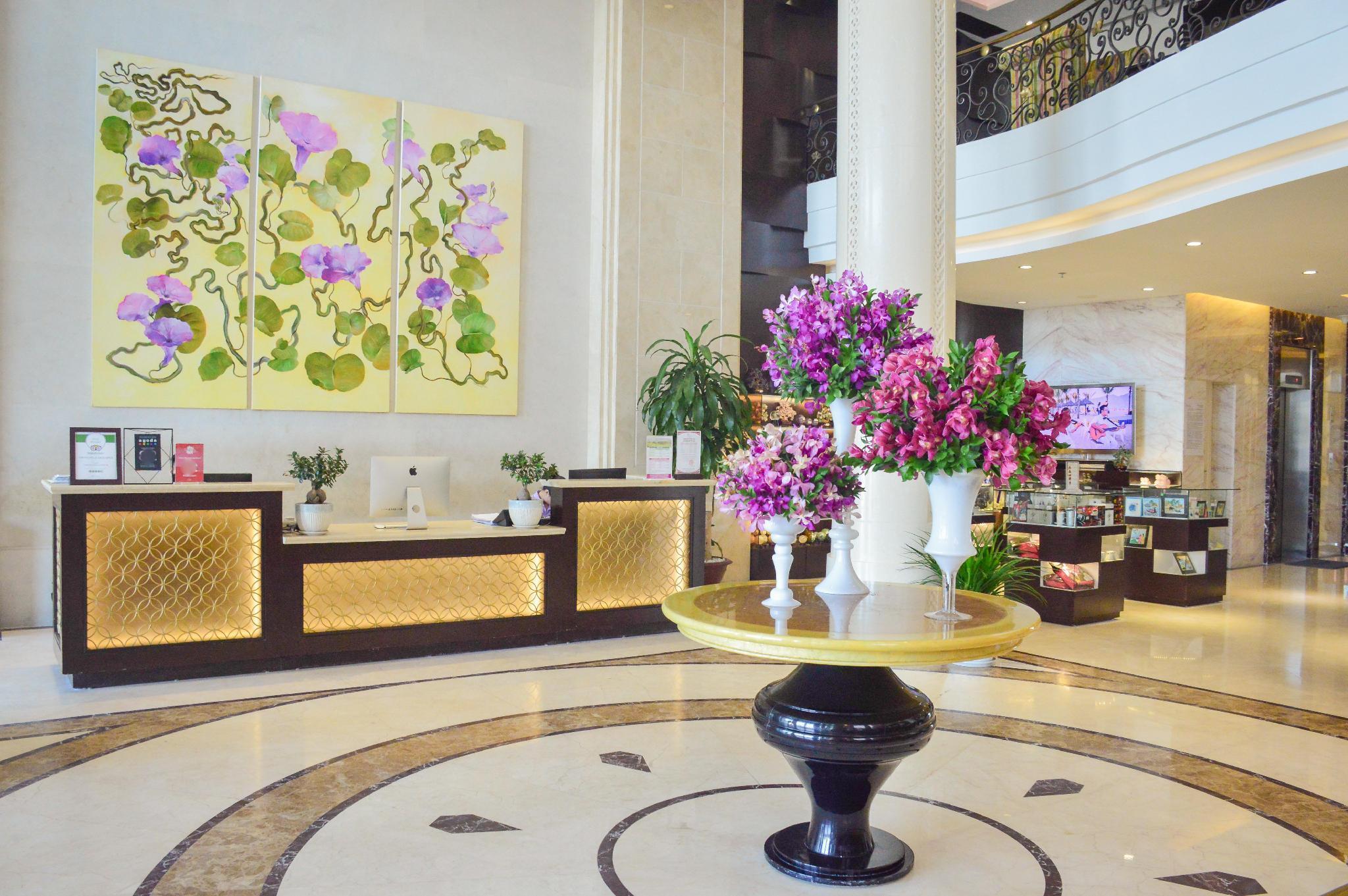 Holiday Beach Danang Hotel And Resort