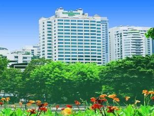 Royal Parkview Hotel Bangkok - Exterior