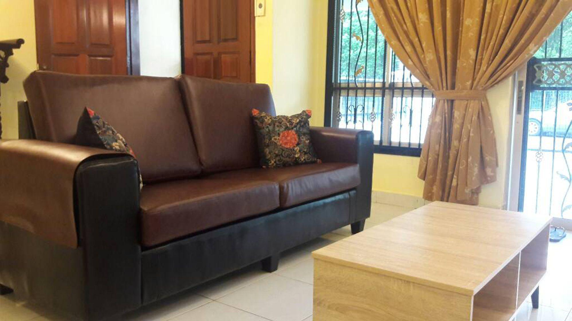 4 BR For +10 Pax   Near Paradigm Mall