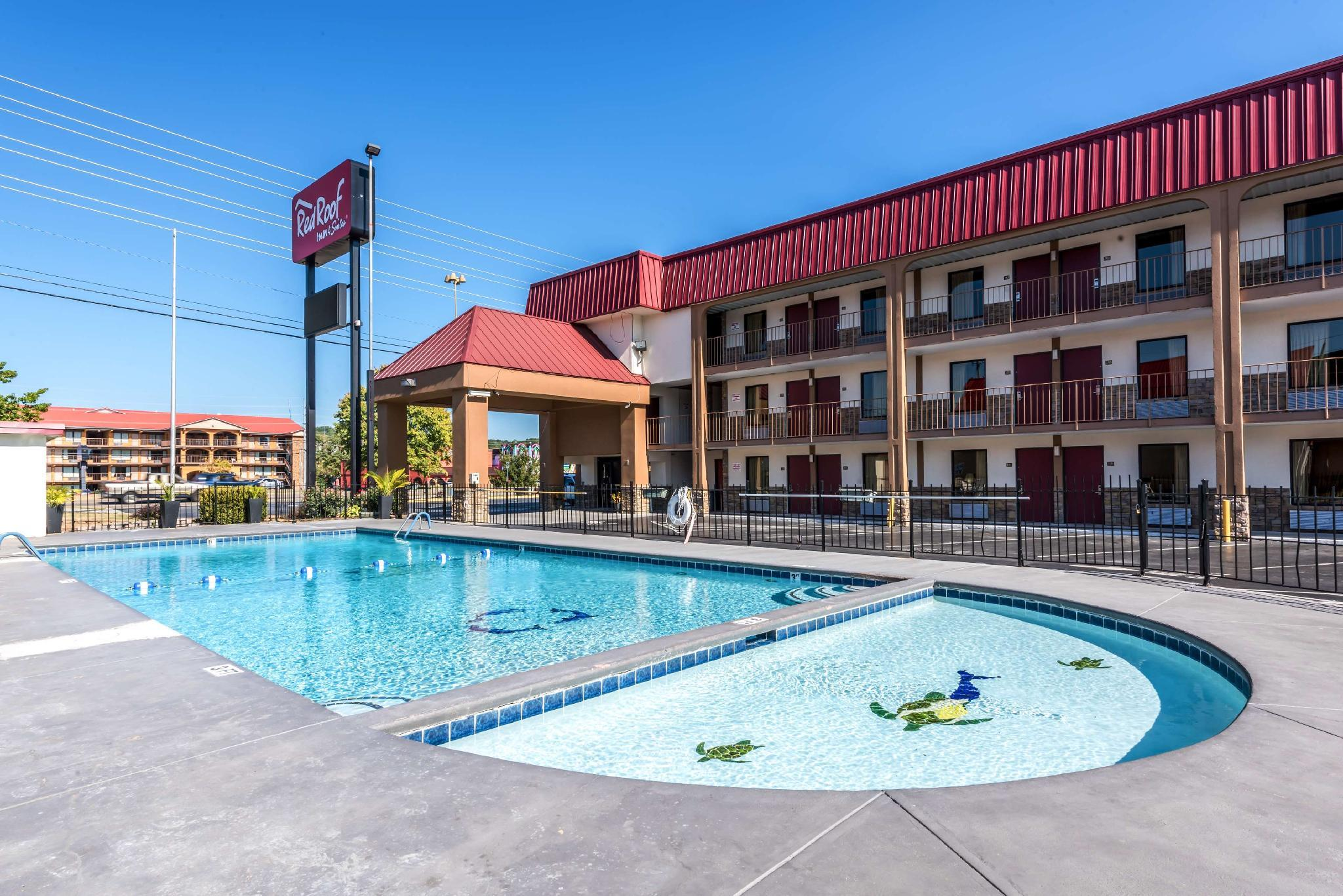 Red Roof Inn And Suites Pigeon Forge   Parkway