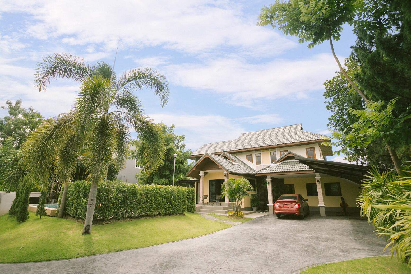 Review Y'S chiang mai  swimming pool villa