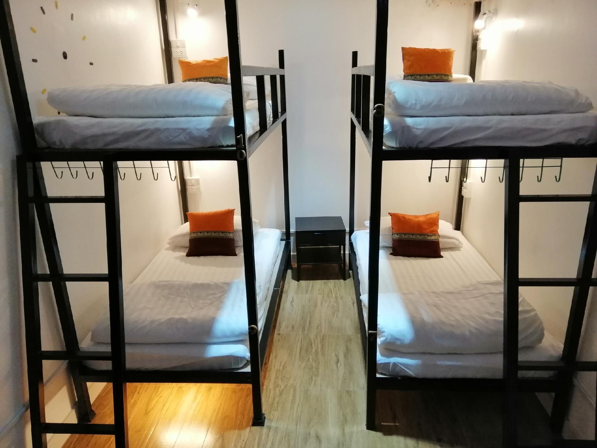 Life Hostel Bangkok Discount