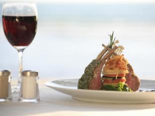 Sunset Beach Resort Phuket - Food and Beverages