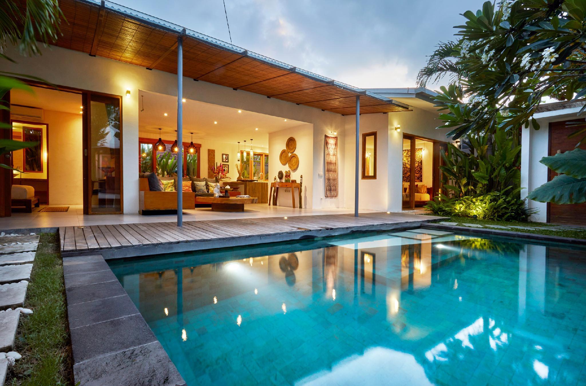 Designed Villa Private Pool BBQ WIFI Seminyak Side