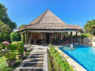 Villa Pelabuhan - Private LUXURY BEACH FRONT Villa Bali