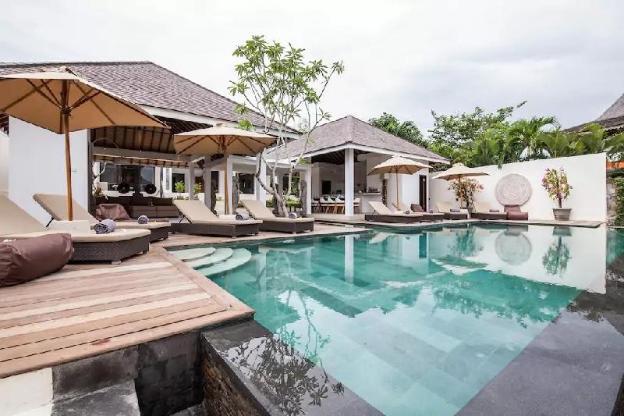 Amazing Luxury Deluxe 6BR Villa 180 View