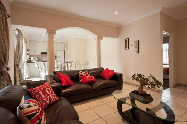 LARGE FAMILY HOLIDAY HOME Cape Town