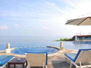 Blue Point Bay Villas & Spa Hotel Bali - Sunset Main Pool