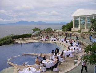 Blue Point Bay Villas & Spa Hotel Bali - Sunset Main Pool (Party)