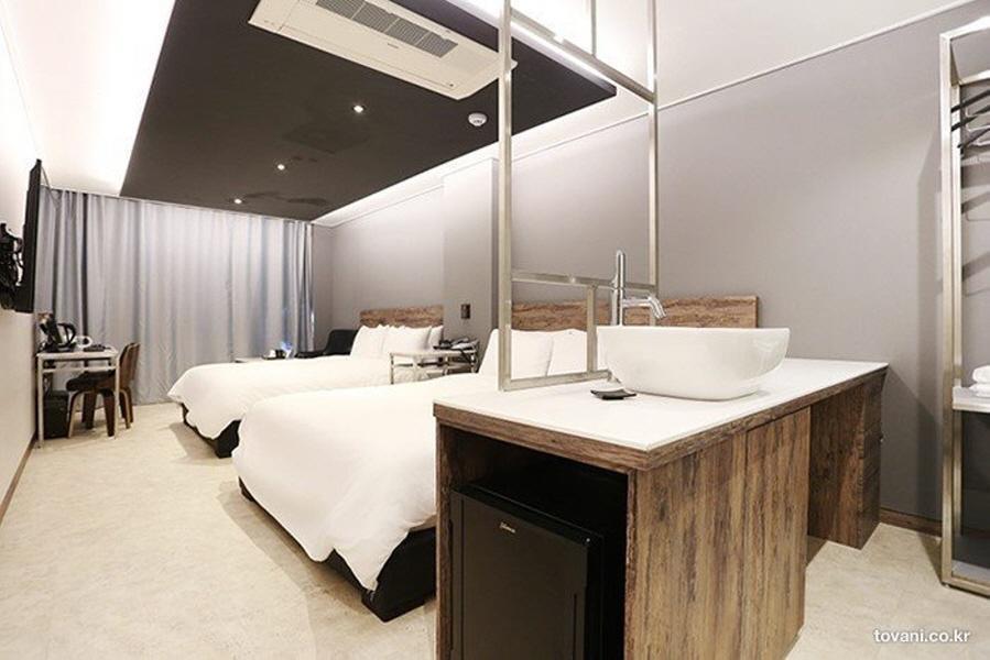 Louis Hotel Gangneung