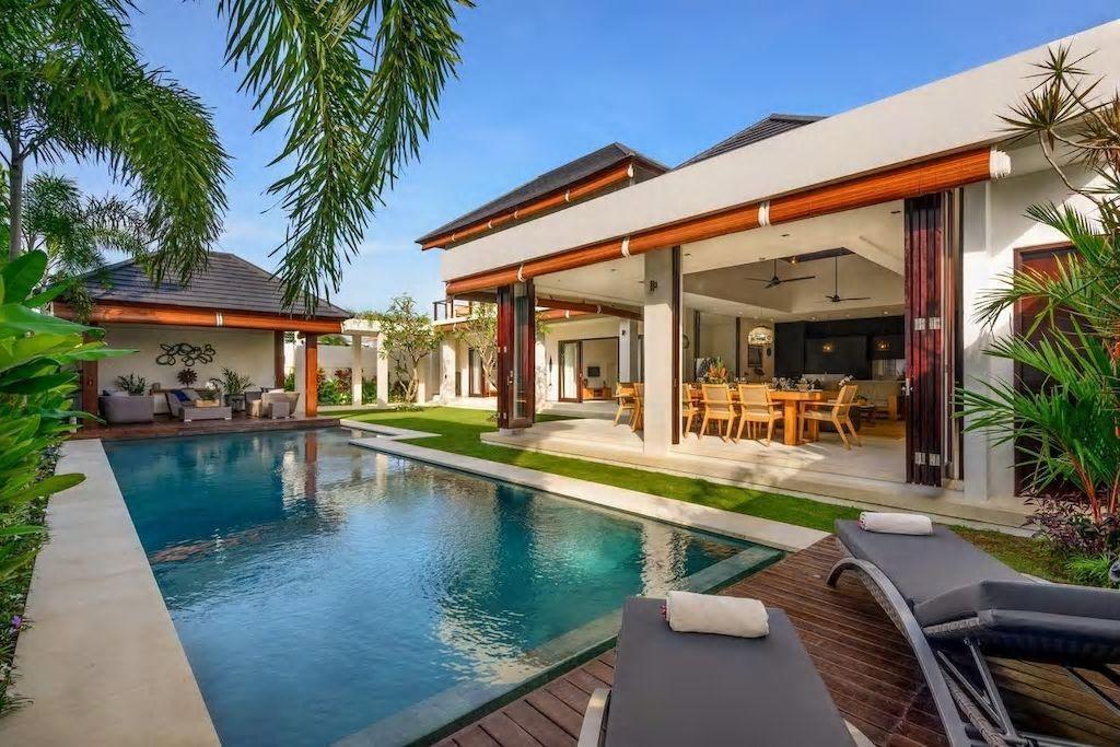 Hotel Review: 4 BDR Tropical Villa Canggu – Photos, Rates and Deals