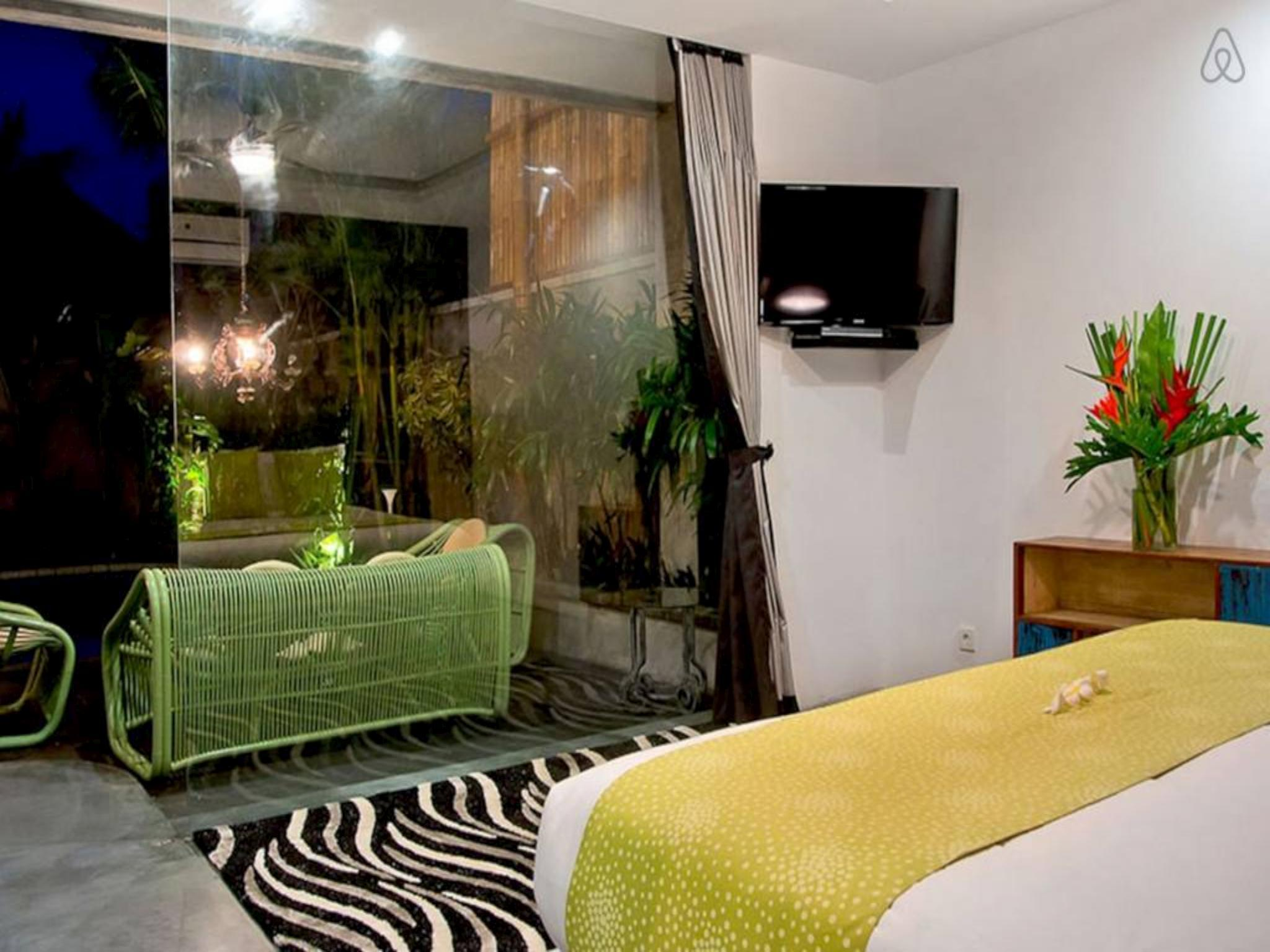 Price 4 BDR Luxury Villa in Seminyak Centre