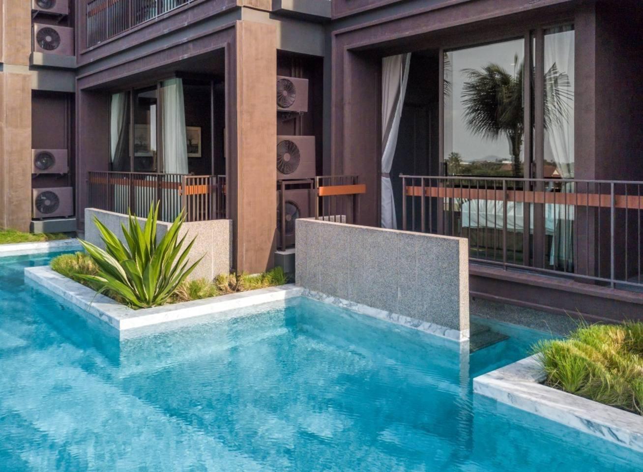 Modern Spacious Pool Access 2 BDR @ Naiharn