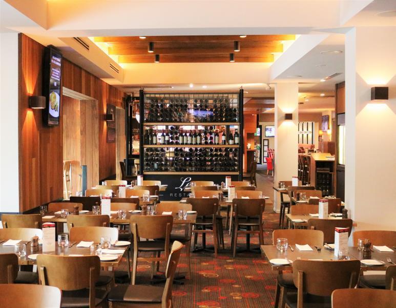 Review Sovereign Park Motor Inn