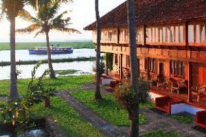 Coconut Lagoon Hotel