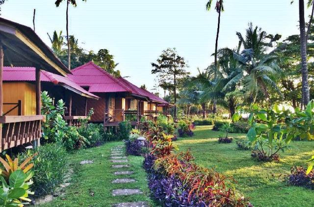 ลิบง รีแล็กซ์ บีช รีสอร์ท – Libong Relax Beach Resort
