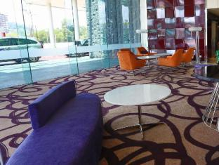 The Everly Putrajaya Hotel Kuala Lumpur - Hotel Lobby